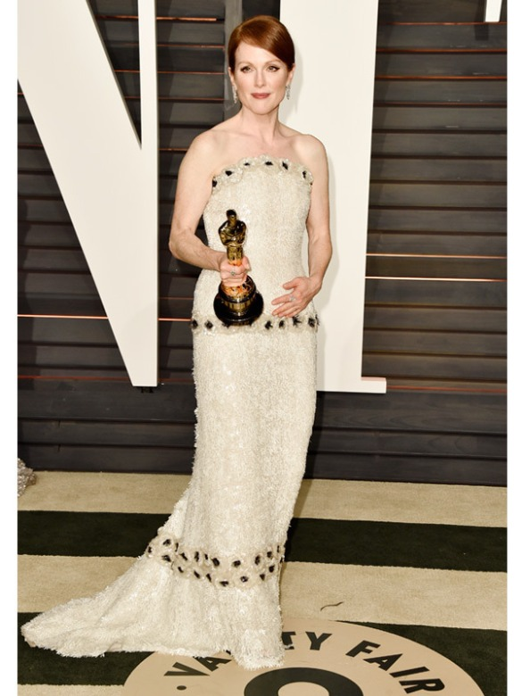 Julianne Moore in Chanel 2015 Oscars academy awards red carpet