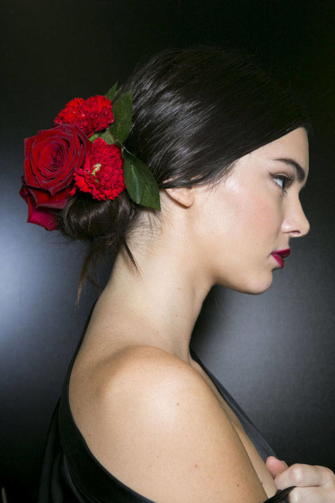 kendall jenner dolce & gabbana runway hairstyle spring trends 2015